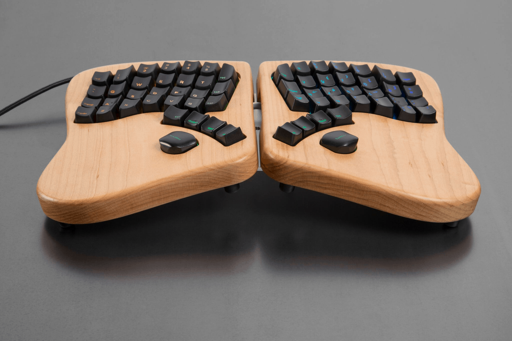 49cf9769c5b Keyboardio is a small company. So far as I know, the company has two  regular employees, the founders Jesse Vincent and Kaia Dekker.